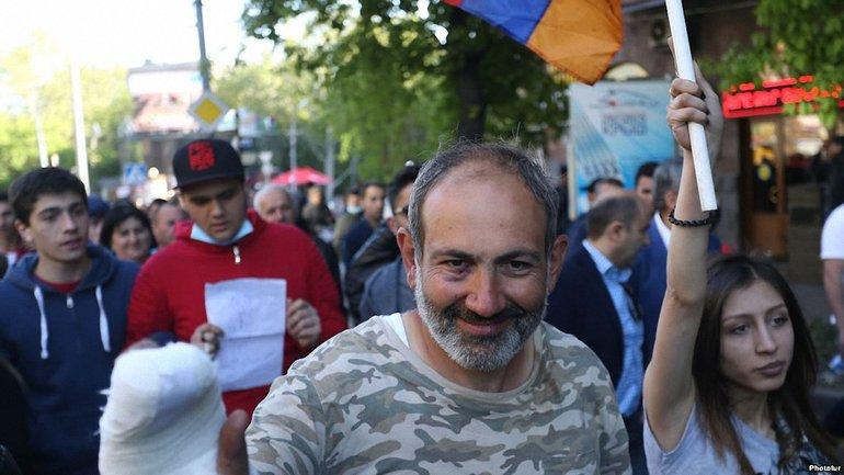 Никола Пашиняна задержали 22 апреля в Ереване - фото 1