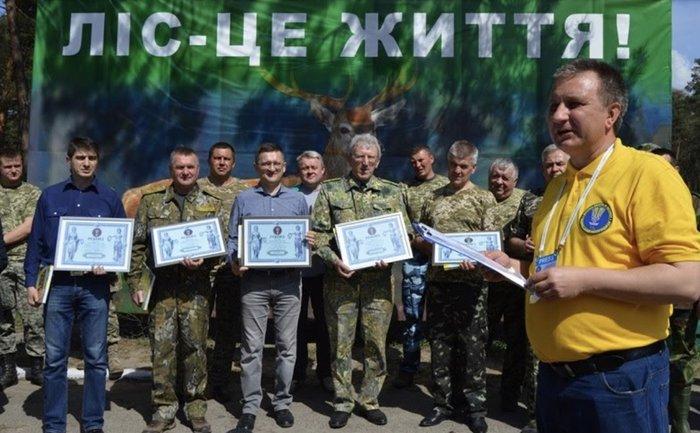 Новый рекорд: во Львовской области высадили самую длинную в Украине липовую аллею - фото 1