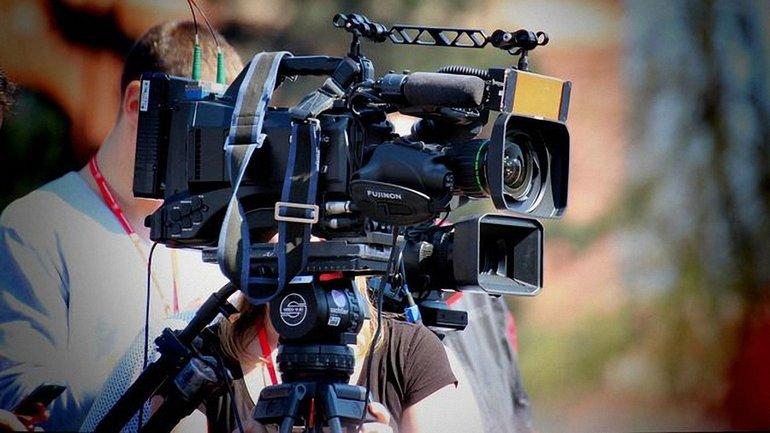 В Тернопольской области на журналистов напали во время съемок - фото 1