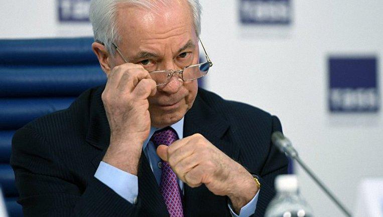 Нещасному Азарову все труднее привлекать внимание - фото 1