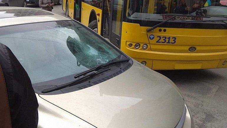 Водителю-нарушителю разбили лобовое - фото 1