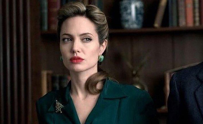 Анджелина Джоли попала в больницу, но отказывается обследоваться - фото 1