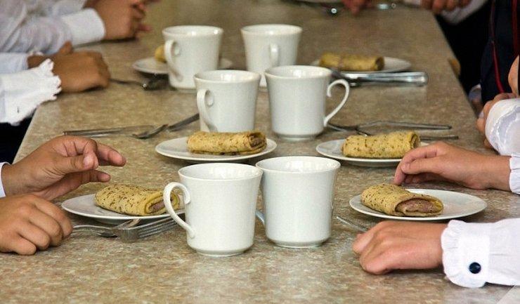 Детей кормили пропавшими продуктами - фото 1