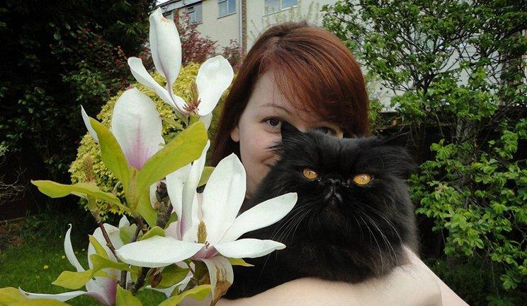Юлия Скрипаль с котом Нэшом ван Дрейком - фото 1