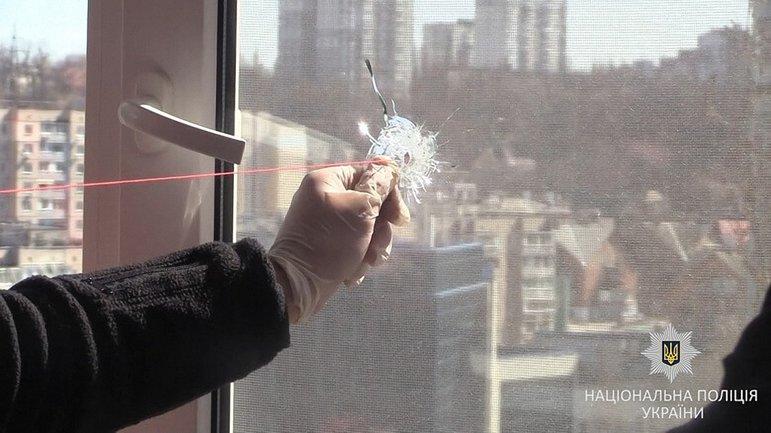 В Киеве мужчина стрелял по окнам соседей - фото 1