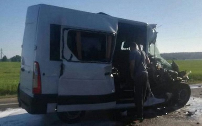Детская футбольная команда из Украины попала в страшную аварию - фото 1