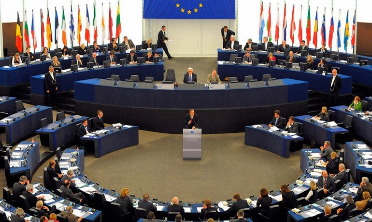 Еврокомиссия будет блокировать санкции США против разработчиков ядерного оружия - фото 1
