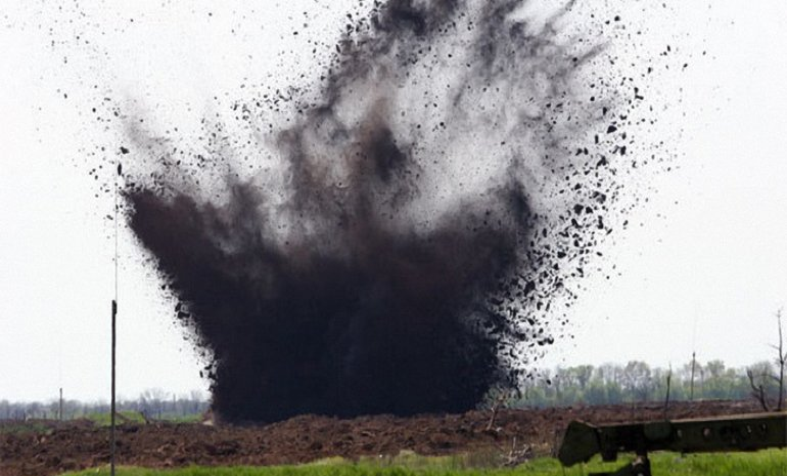 В результате взрыва на огороде два мирных жителя получили телесные повреждения - фото 1
