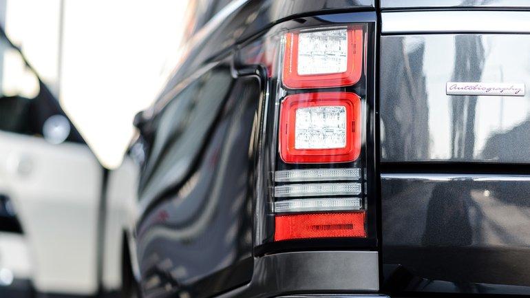Президент подписал закон об упрощенном возе автомобилей в Украину - фото 1