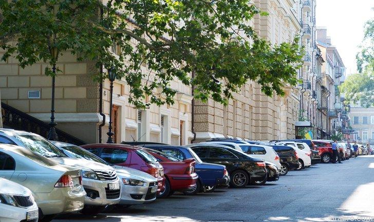 Парковка авто в запрещенных местах: Кличко озвучил размер штрафа - фото 1