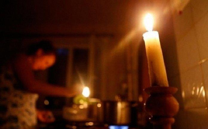 Из-за непогоды без света остались населенные пункты Украины - фото 1