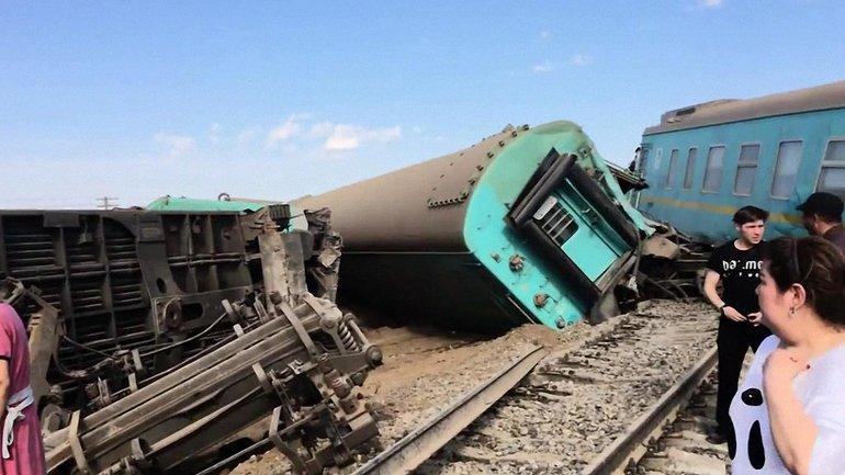 В Казахстане сошел с рельсов поезд – погиб подросток - фото 1