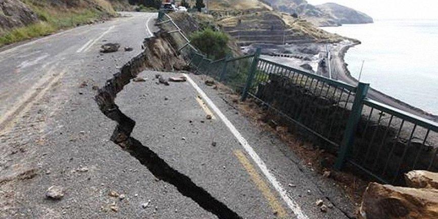 В Японии произошло мощнейшее землетрясение - фото 1