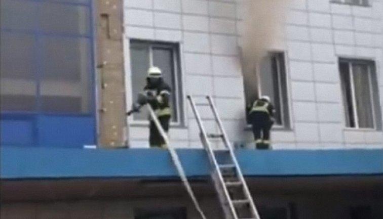 Пожар на центральном автовокзале Киева - фото 1