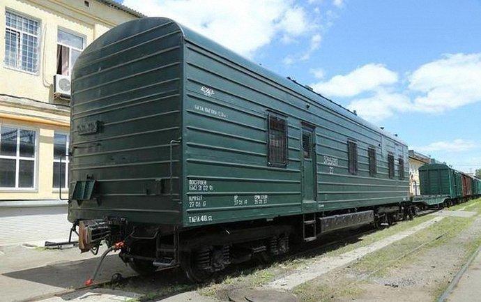 Сержант ВСУ свалился с поезда на ходу - фото 1