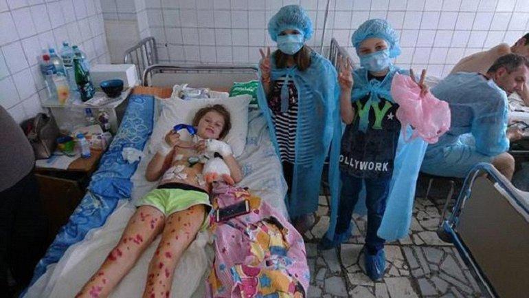 """Пострадавшему во взрыве """"Волги"""" мальчику сделали операцию - фото 1"""