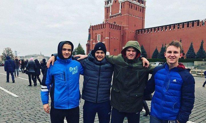 Владислав Грецик справил 18-летие в логове врага - фото 1