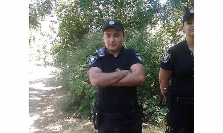 Мариупольский полицейский с улыбкой переспрашивал, кто такой Сенцов - фото 1