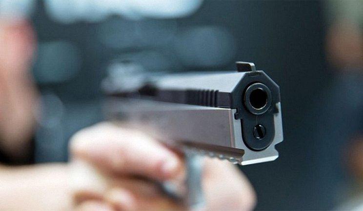 Работник Укрэнерго стрелял в журналистку - фото 1