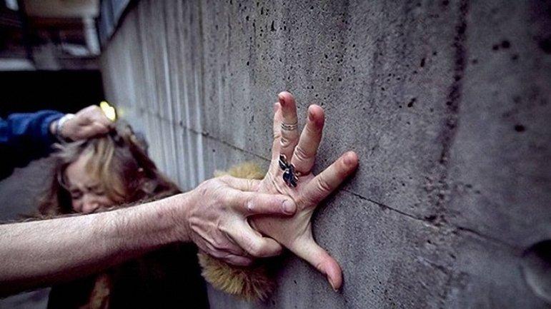 Киевлянин при ограблении насиловал своих жертв - фото 1