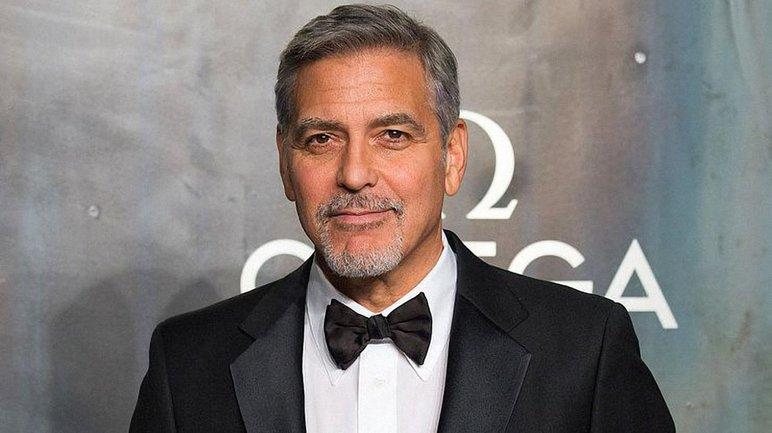 Джордж Клуни врезался в автомобиль - фото 1
