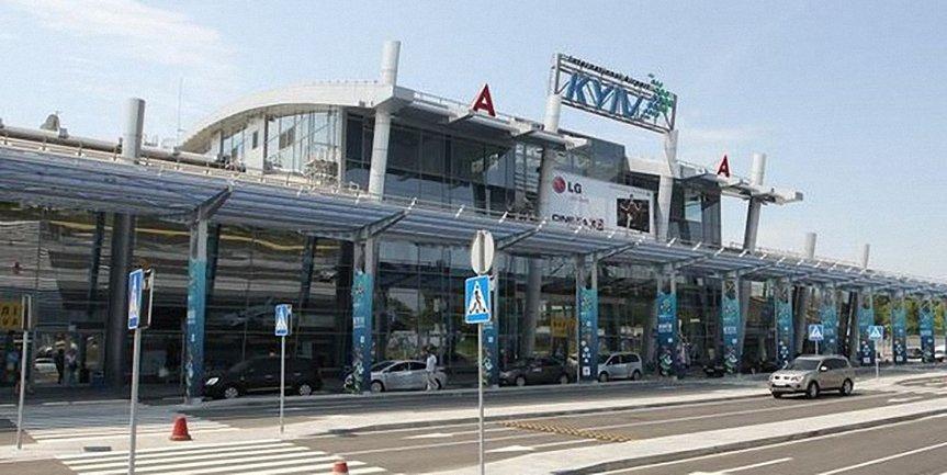 В аэропорту Жуляны украинцы 12 часов не могут вылететь в Болгарию - фото 1