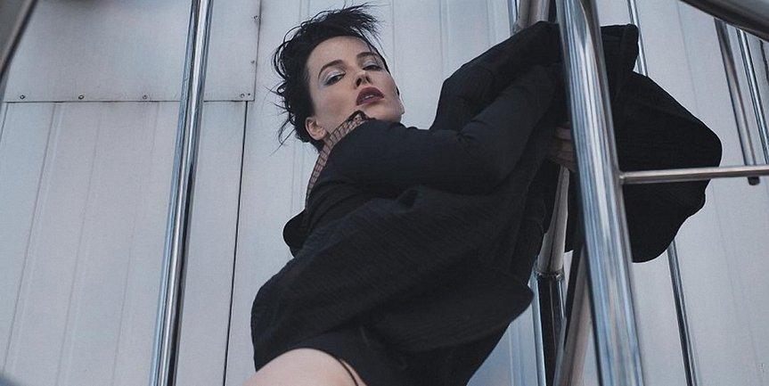 Даша Астафьева похвалилась огромной грудью - фото 1