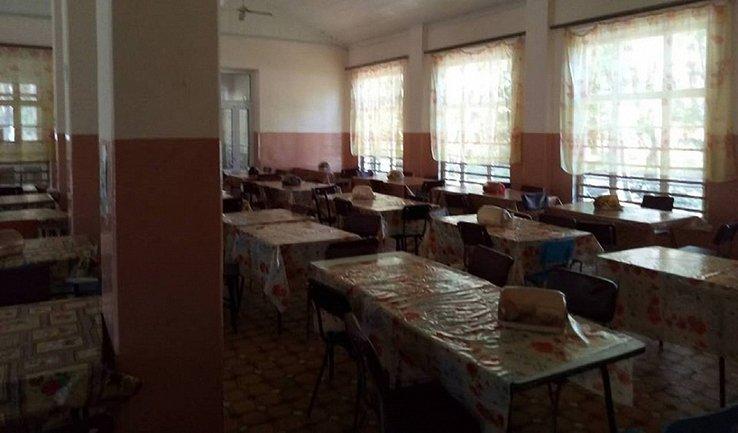 В детском лагере на Донбассе отравились 60 детей - фото 1