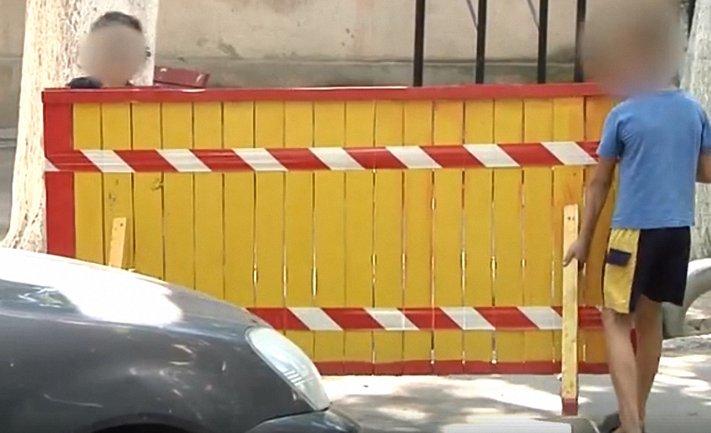 Малолетние вымогатели терроризируют одесских автомобилистов - фото 1
