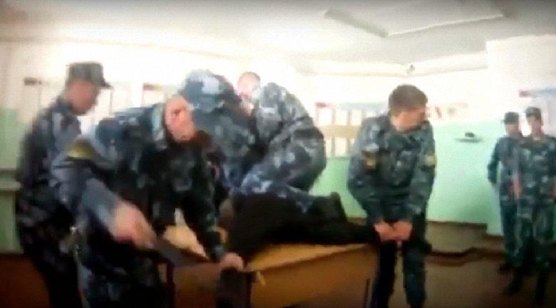 В российской колонии надзиратели ФСИН пытали заключенного - фото 1