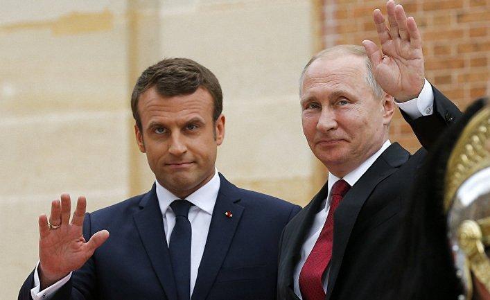 Макрон по просьбе Путина принял Лаврова в Елисейском дворце - фото 1