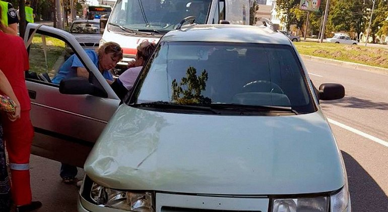 В Харькове женщина насмерть сбила ребенка на пешеходном переходе - фото 1
