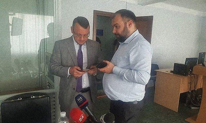 Госадвокат Овсянников встретился с Януковичем - фото 1