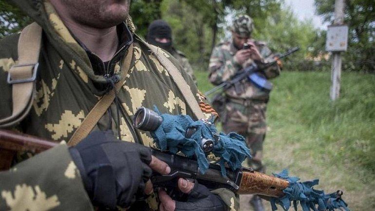 На Донбассе боевики арестовывают мирных жителей - фото 1
