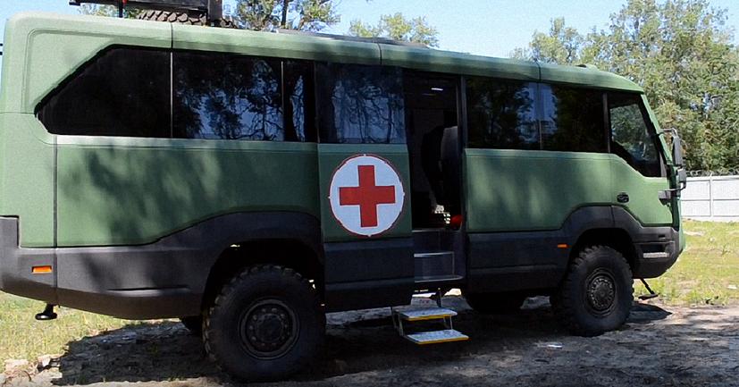 В Украине создали первый в мире автобус-внедорожник - фото 1