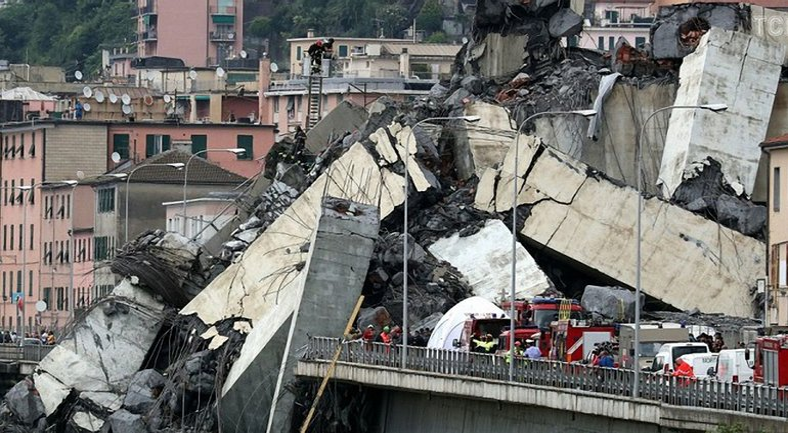 Обвал моста в Генуе: в Италии объявили чрезвычайное положение - фото 1