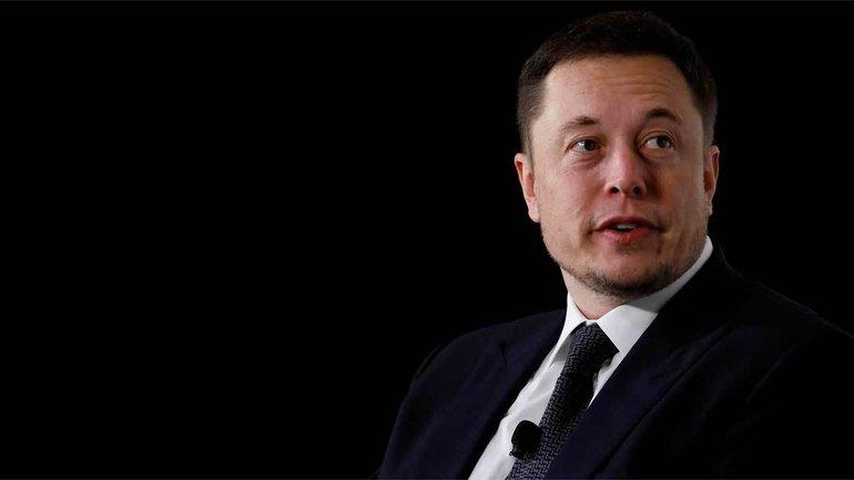 Илон Маск подорвал здоровье на работе - фото 1