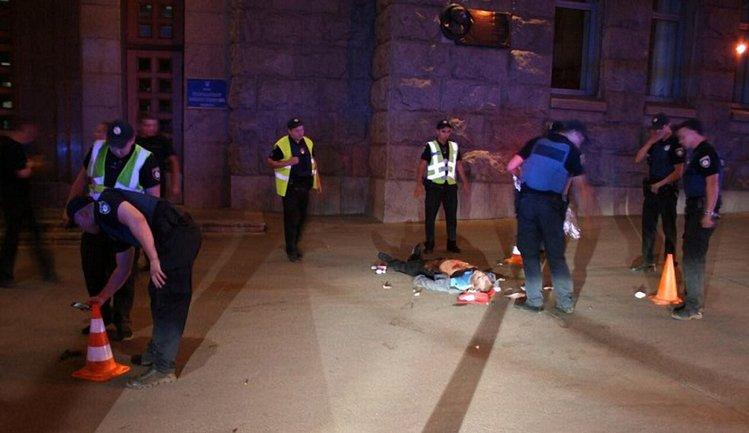 Стрельба возле мэрии Харькова: пьяный убийца стрелял в авто с ребенком - фото 1