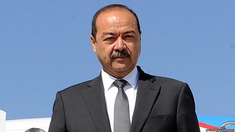 Премьер Узбекистана попал в аварию - фото 1