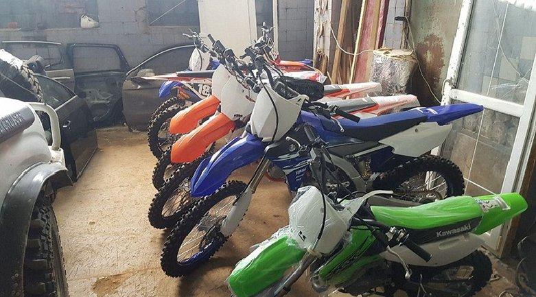 Киберполиция Украины нашла 30 угнанных в Италии мотоциклов - фото 1
