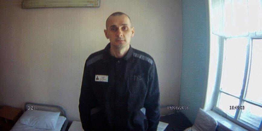 Олегу Сенцову посвятили стих в 100 день голодовки - фото 1