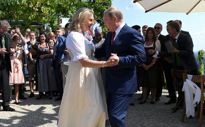Австрийские политики пытаются оправдываться - фото 1