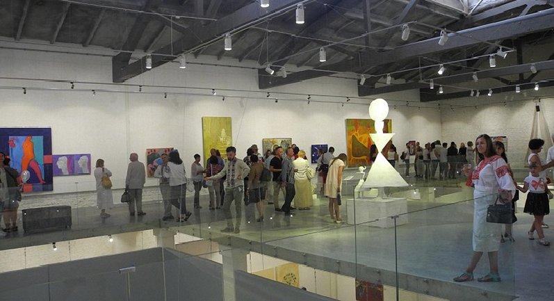 В Луцке открыли музей современного искусства Украины - фото 1
