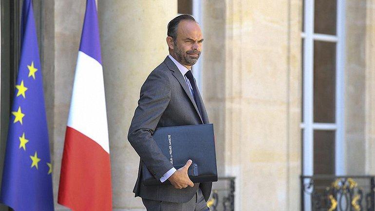 В Париже для сокращения бюджетных расходов уволят более 14 тысяч госслужащих - фото 1