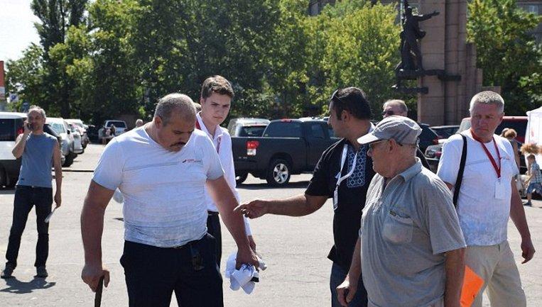 Олег Кравец набросился на восхищенных исцелением Тимошенко активистов - фото 1