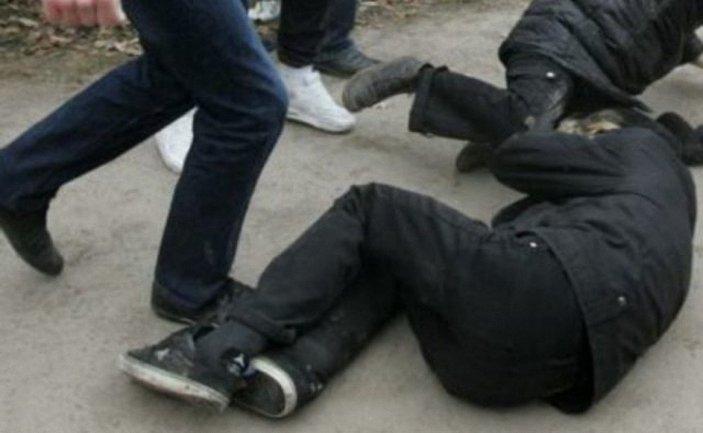 Трое пьяных мужчин изибили священника - фото 1