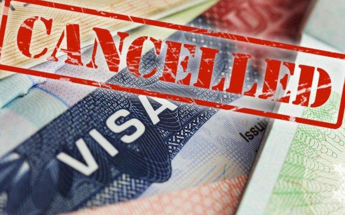 Американцы не выдают визы русским - фото 1