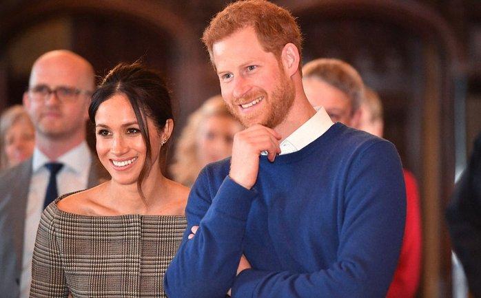 Принц Гарри в начале отношений подарил Меган Маркл картину - фото 1