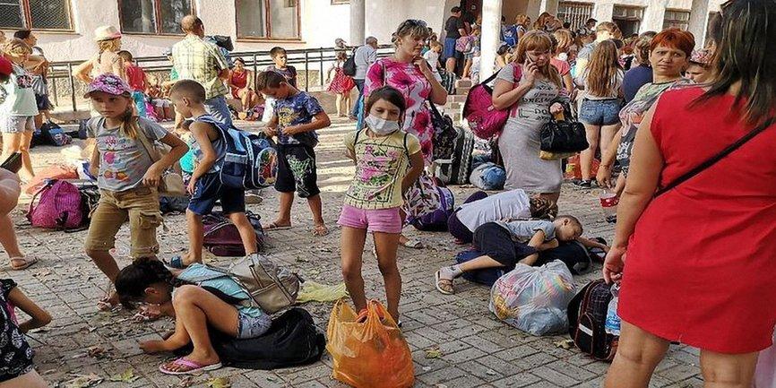 Происходит массовое закрытие школ и детских садов в Херсонской области  - фото 1