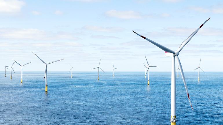 В Великобритании запустили крупнейшую в мире плавучую ветроэлектростанцию - фото 1